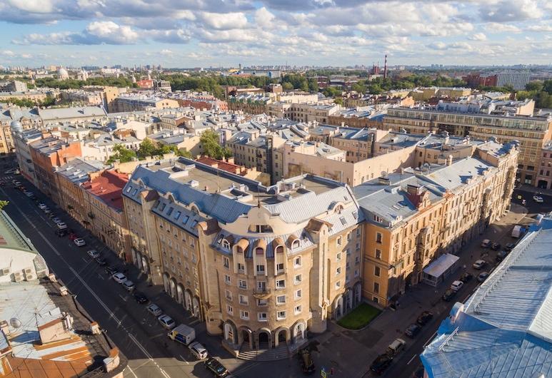 Nevsky Loft Studio, San Pietroburgo, Facciata della struttura