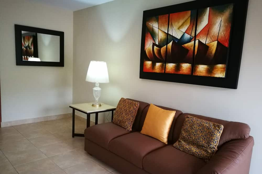 Executive Suite, 1 Queen Bed, Balcony, Tower - Living Room