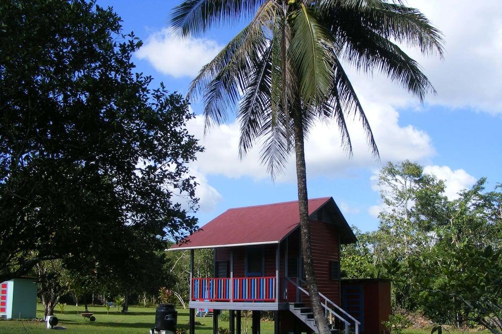 Jungle Cabin outside bathroom  - วิวสวน