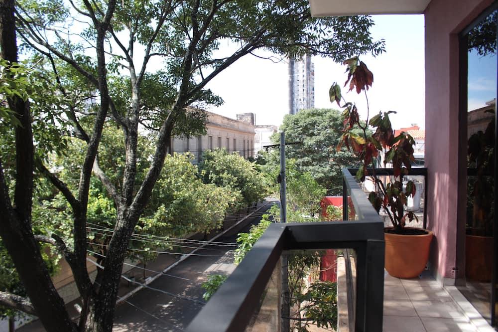 Išskirtinio dizaino apartamentai, 3 miegamieji, vaizdas į miestą - Balkonas