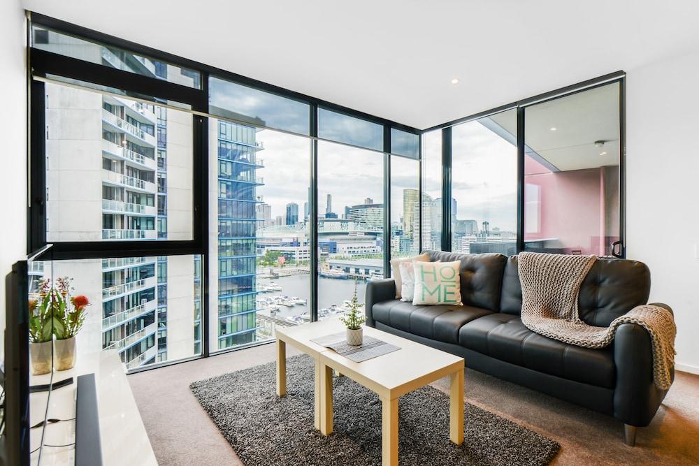 Exquisite Apartments Docklands, Docklands