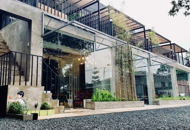 Containers by Eco Hotel Tagaytay, Tagaytay