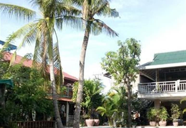 Samathi Lake Resort, פנום פן