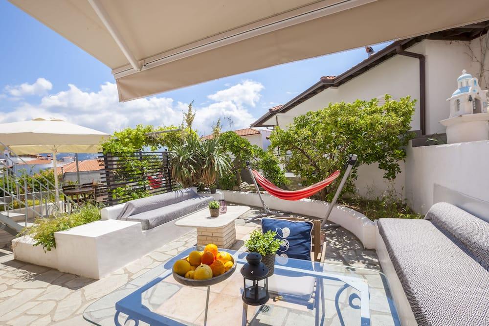 Studio, Garden Area - Terrace/Patio