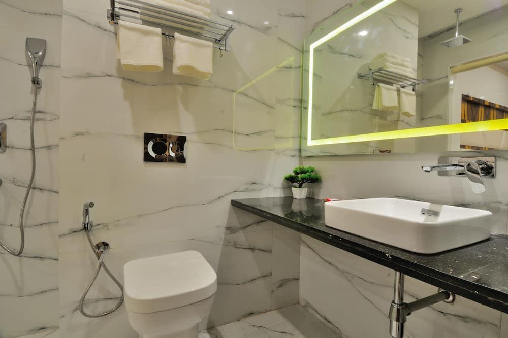 Deluxe Double Room, 1 Double Bed - Bathroom