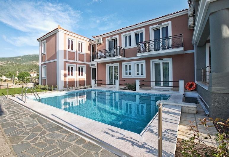 Sun & Sea Luxury Hotel, מיטילנה, בריכה חיצונית