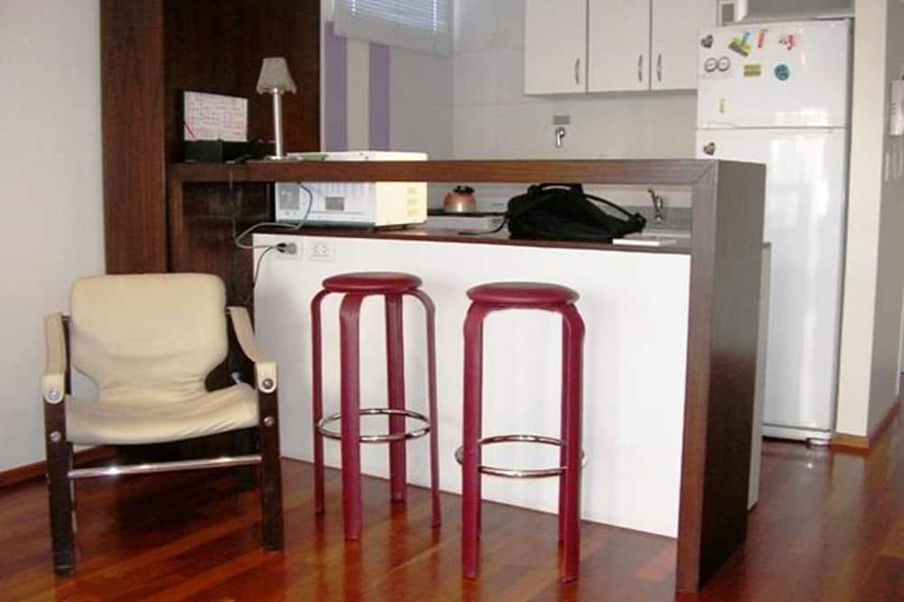 อพาร์ทเมนท์, หลายเตียง - บริการอาหารในห้องพัก