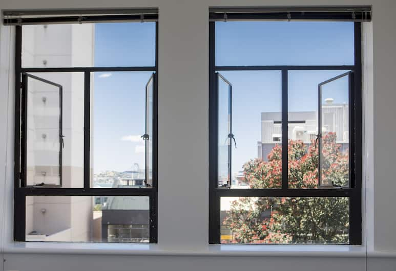 TOWNY - Urban Loft - Two Bedrooms, Auckland, Towny Urban Loft, View from room