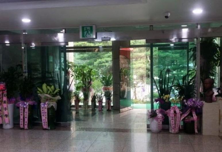 Mureung Art Plaza, Donghae, Interior de la entrada