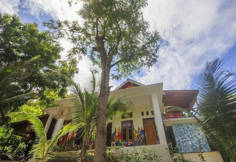 Dorme Tree, Λαμπουάν Μπάτζο, Πρόσοψη ξενοδοχείου