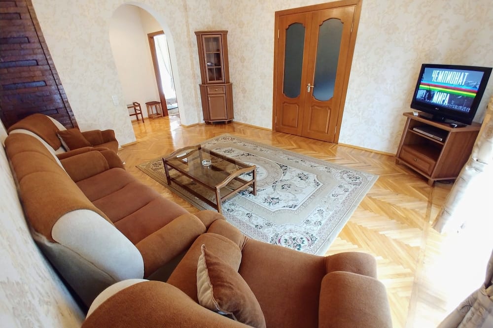 Panoramic Apartment, 2 Bedrooms, Balcony, Sea View - Living Area