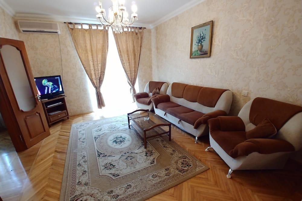 Panoramic Apartment, 2 Bedrooms, Balcony, Sea View - Living Room