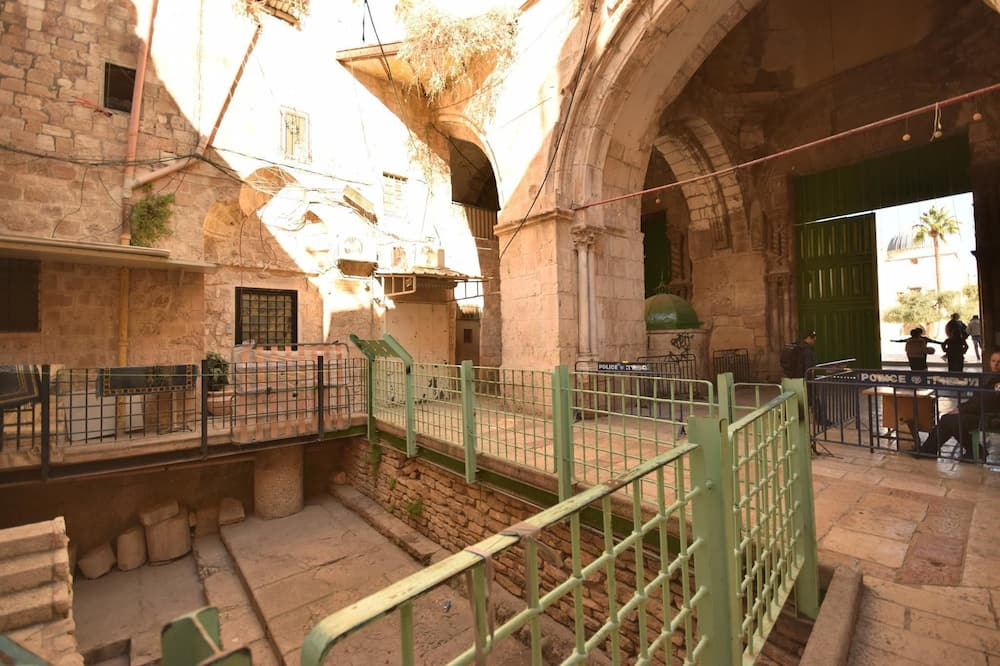 Chain Gate Hostel