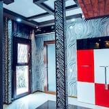 Studio Suite Desain, 1 kamar tidur, dapur kecil, menara - Balkon