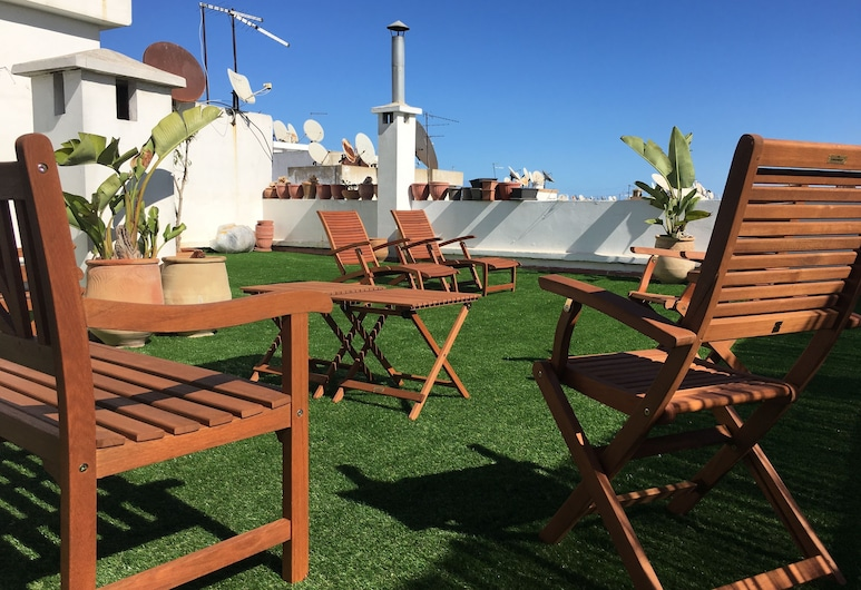 Luxurious Apartment with Private Garden, Casablanca, Hotellområde