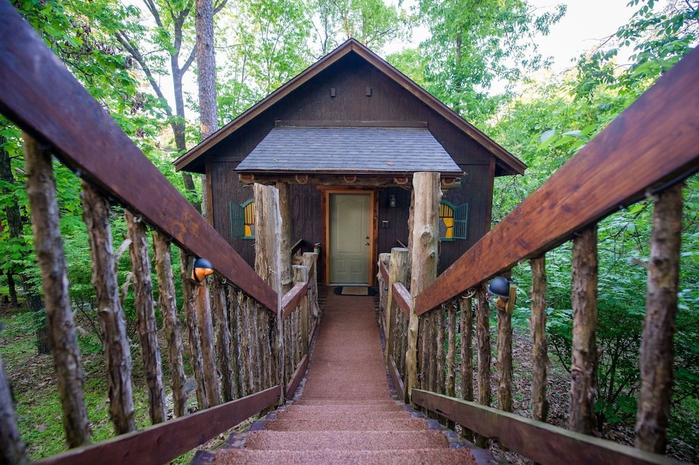 Picture Of Oak Crest Cottages Treehouses In Eureka Springs