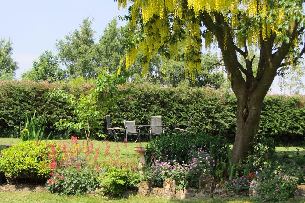 Quarto Individual Standard, 1 cama individual extragrande, Casa de Banho Privativa, Vista Jardim - Vista para o Jardim