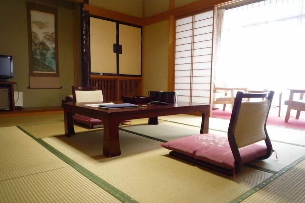 חדר קלאסי (Japanese Style, 4 guests) - אזור מגורים