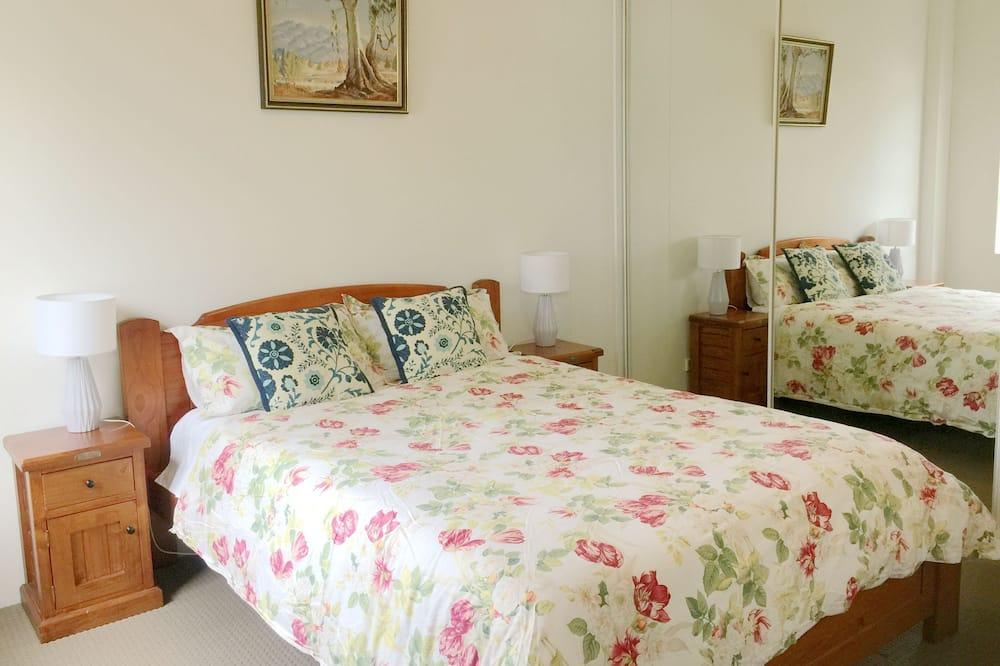 Apartamento Básico, 2 Quartos, Vista Jardim - Sala de Estar