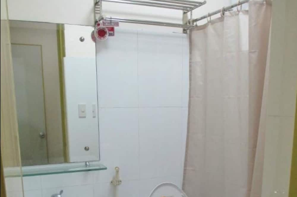 Group Room - Bathroom