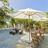 Kamar Triple Deluks, balkon, pemandangan kebun - Pemandangan Lapangan