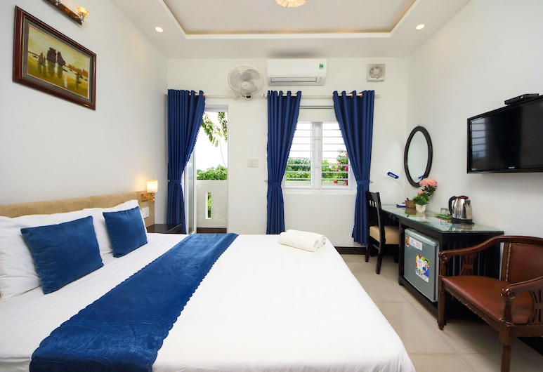 Flame Flowers Homestay, Hoi An, Double Room, Balcony, Guest Room
