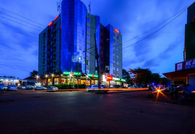 Igar Plaza Hotel, Ģinģa
