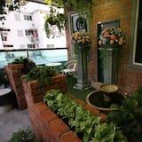 Studio, widok na ogród - Balkon