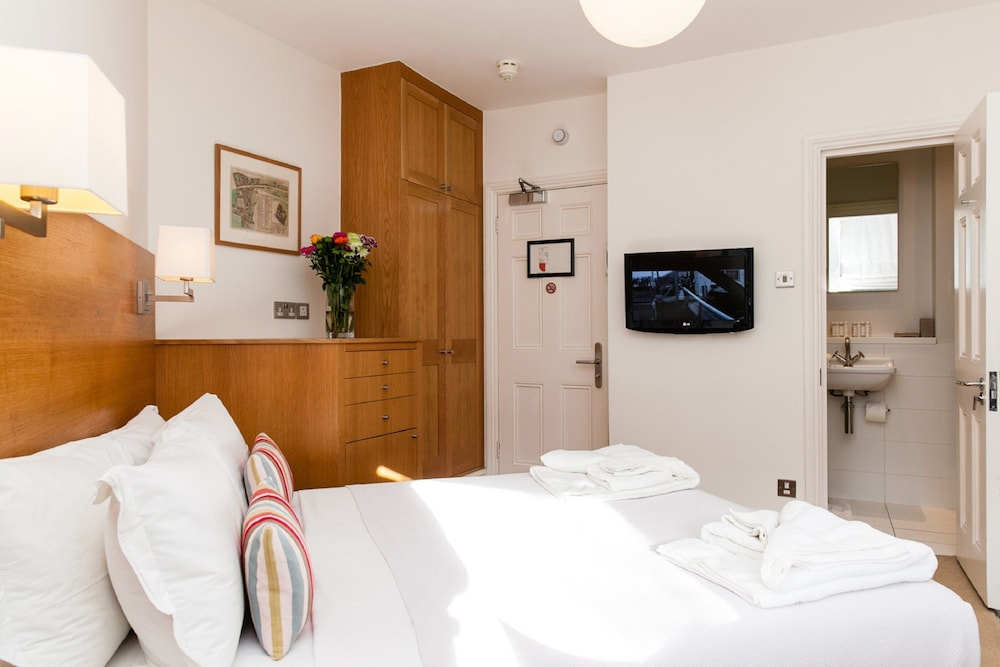 Book blueprint apartments no 5 doughty street in london hotels malvernweather Gallery