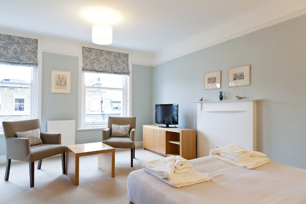 Book blueprint apartments no 5 doughty street in london hotels malvernweather Choice Image