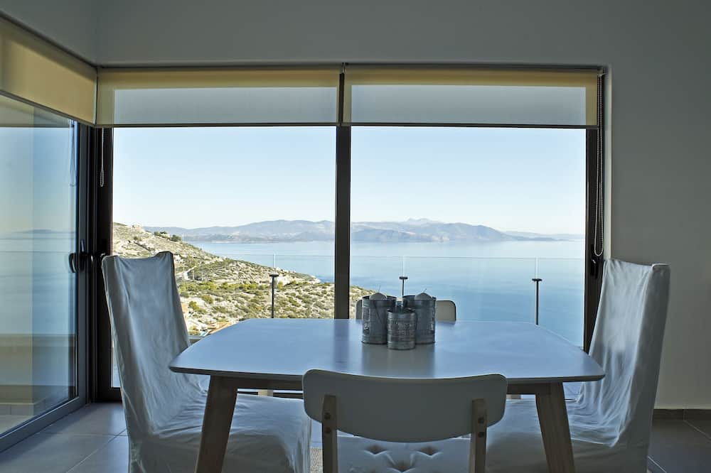 Apartment, 2 Bedrooms, Sea View - In-Room Dining