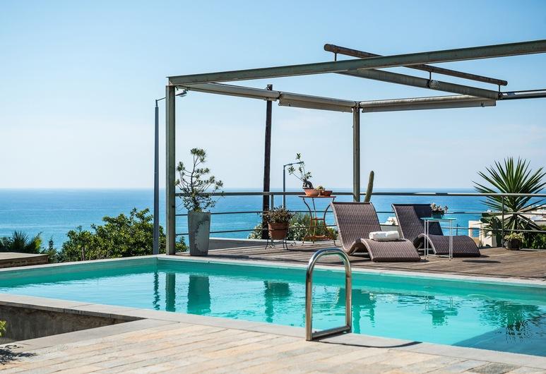 藝術私人泳池別墅華美花園酒店, 干尼亞