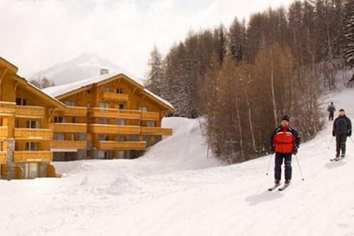 Ski-out/ski-in