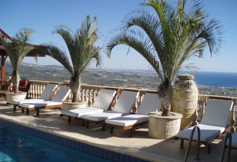 "The ""coral Suite"" Villa. Large Party Groups, Weddings, Anniversaries, Pegija, Baseins"