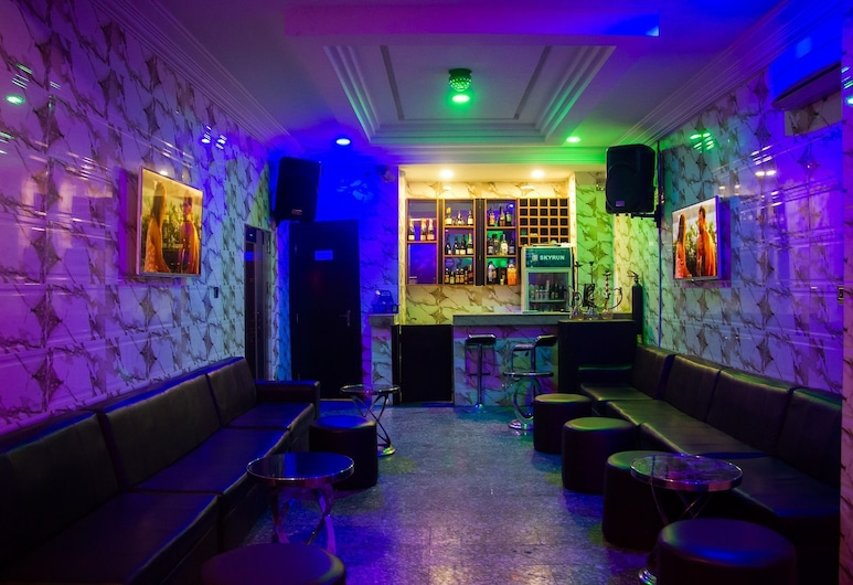 Sweet Season Luxury Suites, Lagos, Bar del hotel