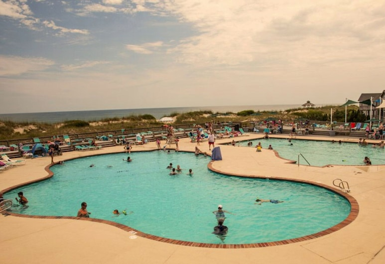 Quiet, Pets Welcome, Sound-side, in Corolla Light Village Resort, Corolla