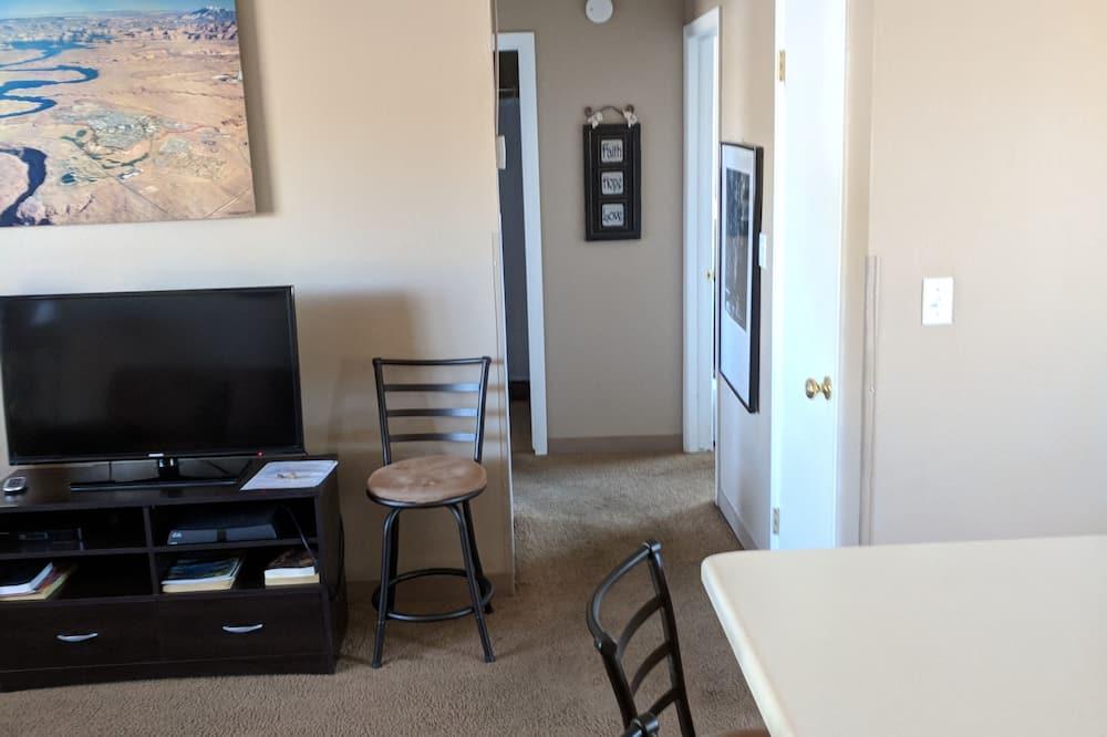 Сімейні апартаменти, 2 спальні, кухня (104) - Житлова площа
