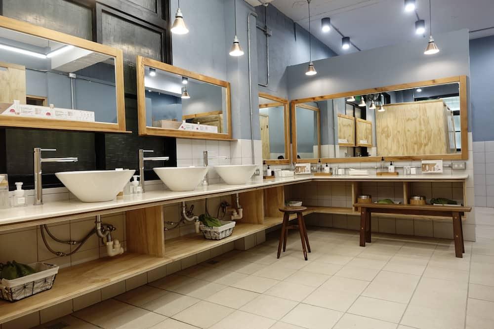 Signature Ortak Ranzalı Oda, Sadece kadınlar için, Ortak Banyo (Max occupancy 6 people) - Banyo