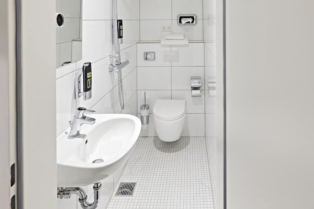 Basic Single Room, 1 Katil Bujang (Single), Private Bathroom - Bilik mandi