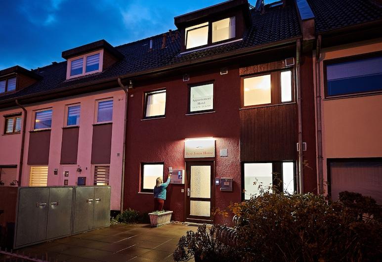 Best Jonas House, Bremen, Bagian depan properti