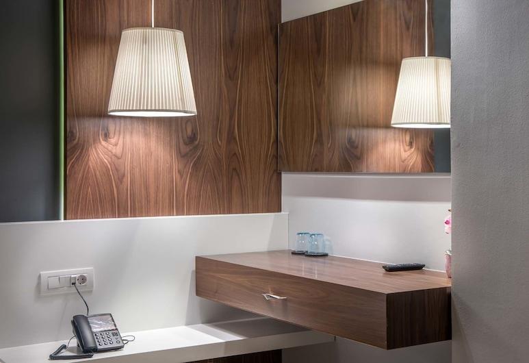 AD Luxury Rooms & Suites, Atene, Doppia Deluxe, 1 letto matrimoniale con divano letto, Camera
