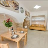 Romantic Suite, 1 Bedroom, Accessible, Mountain View - Living Room