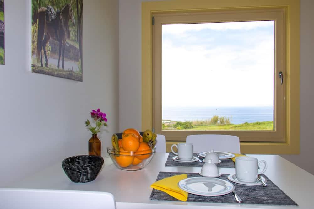 Loftový byt typu Comfort, 1 spálňa, kuchynka, výhľad na oceán - Stravovanie v izbe