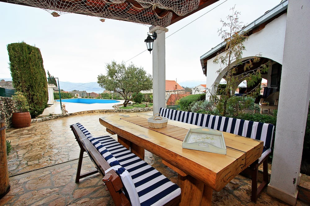 Charming Villa Nika with the pool on the most beautiful island in Adriatic sea