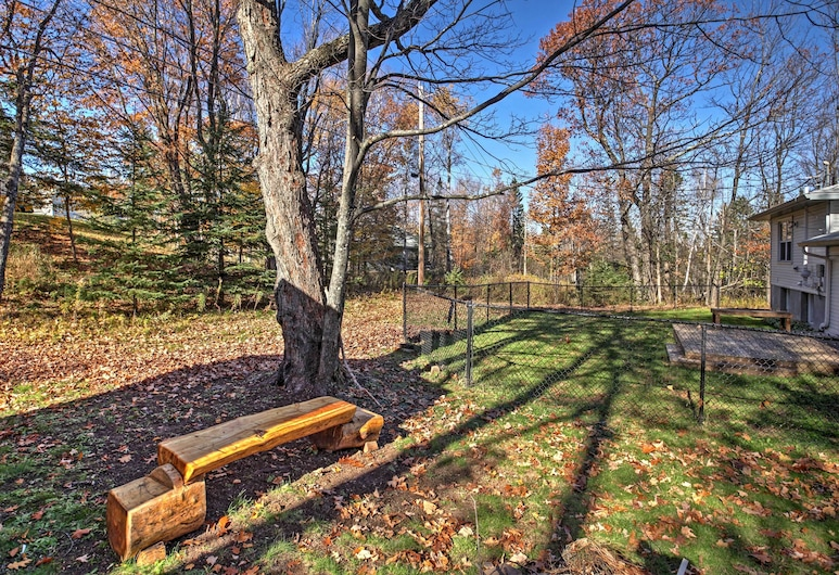 Quaint Duluth Hideaway w/ Private Fenced-in Yard!, Duluth, Areál