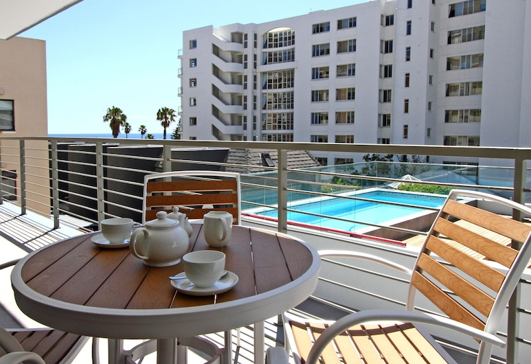 Fairmont 201 - Two Bedroom Apartment, Sleeps 4, Cape Town, Apartment, 2 Bedrooms, Outdoor Pool