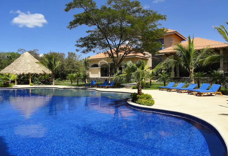 Cozy Suite in Oceanfront Resort With Shared Pool, Tennis, Nearby Beach Access, El Ocotal