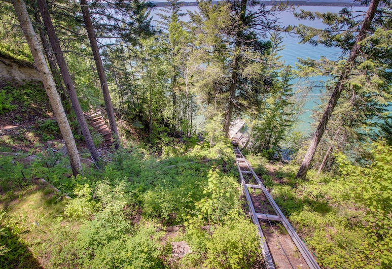 Unique Lakefront Home w/ Private Dock - Gorgeous Lake Views!, Polson