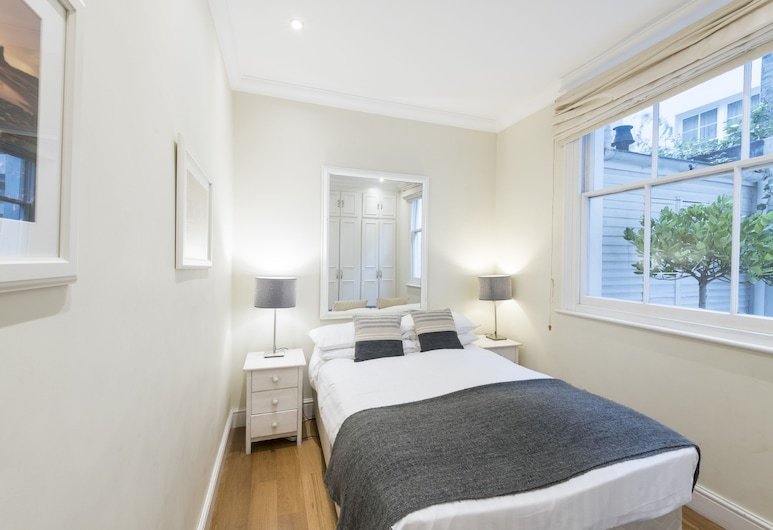 Large 2 Bedroom Flat in Victoria - Zone 1, London, Apartment, mit Bad, Zimmer