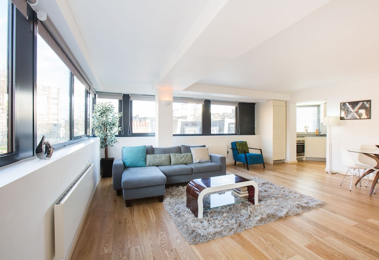 Z O Properties Kensington, London, Luxury Apartment, 2 Bedrooms, City View, Living Area